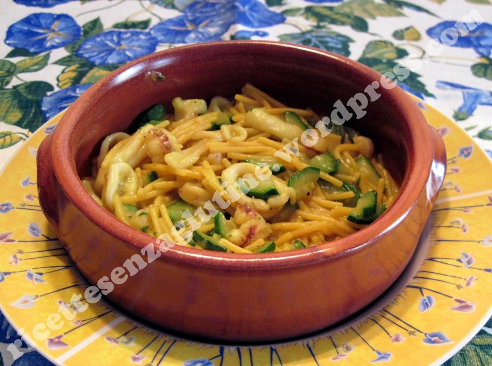 Paella di Pasta con calamari e zucchine