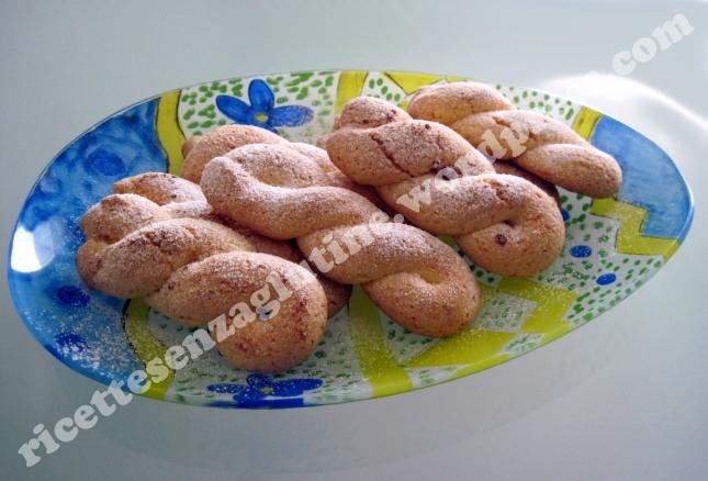 Ricetta per biscotti senza glutine a forma di treccia