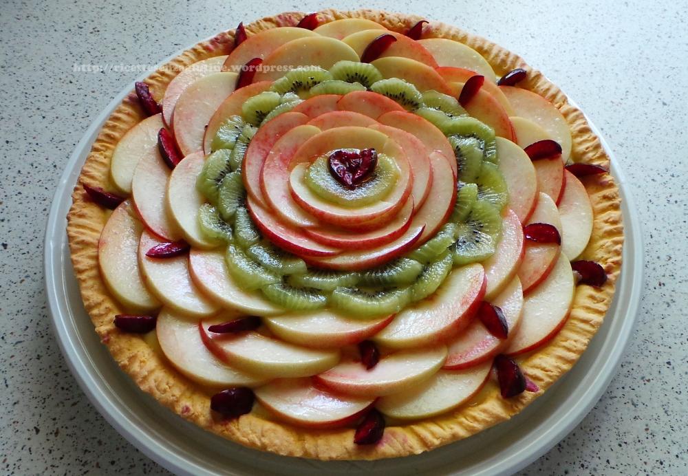 Crostata di frutta con frolla senza glutine e crema pasticcera fatta in casa