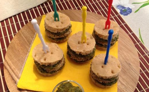 MiniHamburger Panito con crema patate e basilico3