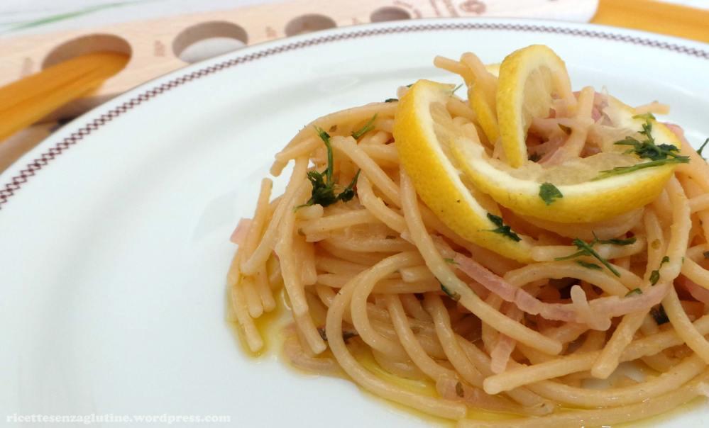 Spaghetti al Limone senza glutine con pasta Probios alla quinoa e limoni bio